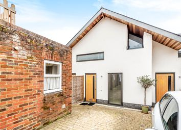 2 bed flat for sale in Parchment Street, Winchester SO23