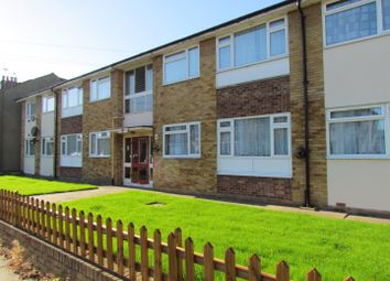 Thumbnail 2 bed flat to rent in Chadwell Avenue, Chadwell Heath, Romford