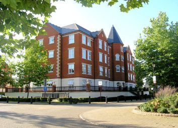 Thumbnail 2 bedroom flat to rent in Bradfield House, Repton Park, Woodford Green
