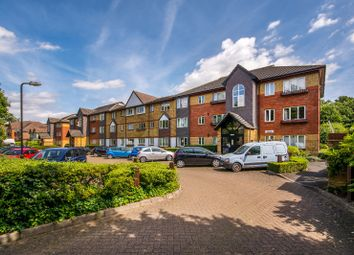 Thumbnail 2 bed flat for sale in Leeds Court, Denmark Road, Carshalton