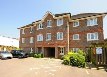 Thumbnail 2 bed flat for sale in Farnburn Avnue, Slough