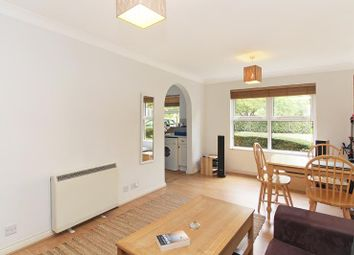 Thumbnail 1 bed flat to rent in Monmouth Close, London