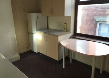Thumbnail 2 bedroom flat to rent in Clegg Street, Oldham