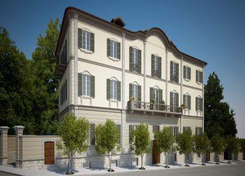 Thumbnail 10 bed town house for sale in Via Fabio Filzi, 28921 Pallanza Vb, Italy