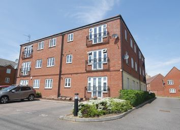 Thumbnail 2 bedroom flat for sale in Great Gables, Stevenage