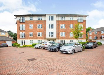 Heaton Court, 12 Colnhurst Road, Watford, Hertfordshire WD17. 2 bed flat