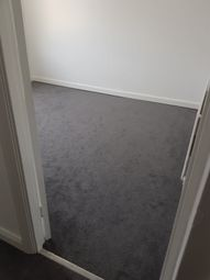 Thumbnail Room to rent in Kentview Gardens, Ilford