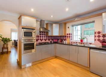 3 bed detached house to rent in Old Amersham Road, Gerrards Cross SL9