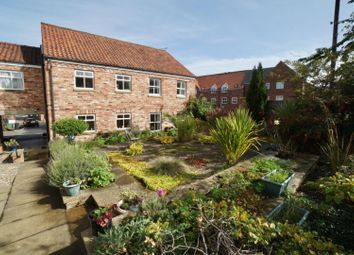 Thumbnail 1 bed flat to rent in Golden Lion Yard, Thirsk