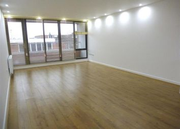 Thumbnail 2 bed flat to rent in Market Street, Maidenhead