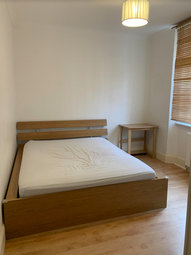 Hayles Place, Elephant & Castle SE11. 3 bed shared accommodation