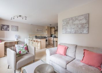 Thumbnail 2 bed flat to rent in 7 St. James Court Clarendon Road, Harpenden