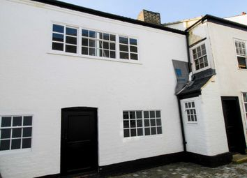 Market Square, St Neots PE19. 2 bed flat for sale