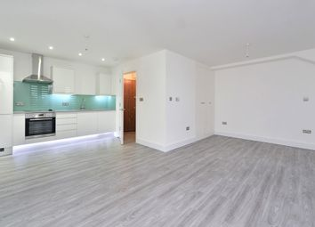 Thumbnail Studio to rent in 13 Pearl House, 60 Millennium Place, Bethnal Green, London
