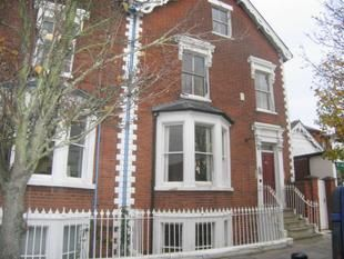 Thumbnail 1 bed flat to rent in Broad Street, Wokingham