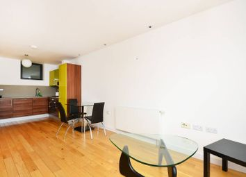 Thumbnail 2 bed flat to rent in Pentonville Road, Angel