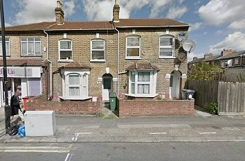Thumbnail 2 bed flat to rent in Farmilio Road, London
