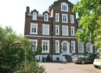 2 bed flat to rent in Upton Park, Slough SL1
