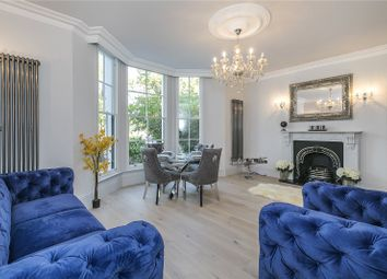 Shooters Hill Road, London SE3. 2 bed flat for sale