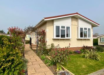 Rickwood Park, Horsham Road, Beare Green, Dorking RH5. 2 bed mobile/park home for sale