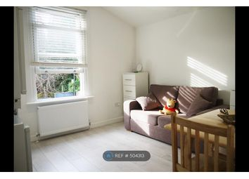 Thumbnail Studio to rent in Archway Road, London