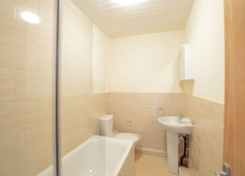 Thumbnail 1 bed flat to rent in High Street, Slough