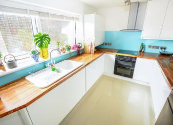 Thumbnail 3 bed flat to rent in Swanborough Drive, Brighton