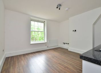 Thumbnail 2 bed flat to rent in Union Road, Clapham North