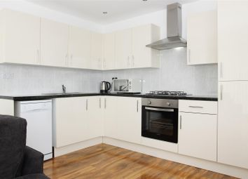 2 bed flat to rent in Saddlers Place, Hounslow TW3