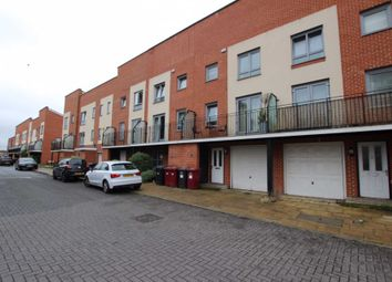 Thumbnail 4 bed property to rent in Curzon Street, Reading