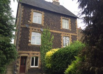 Thumbnail 2 bed town house to rent in Chiltern View Road, Uxbridge, Middlesex
