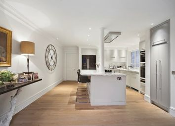 Thumbnail 3 bed flat to rent in Chesham Street, Belgravia