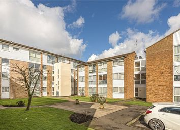 2 bed maisonette for sale in Mintern Close, Palmers Green N13