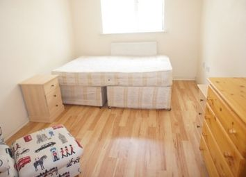 Thumbnail Room to rent in Commercial Street, London