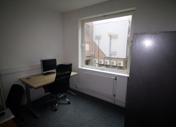 Thumbnail Office to let in Limeharbour, London