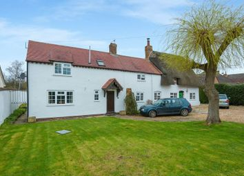 Thumbnail 3 bed cottage for sale in Worminghall Road, Oakley, Aylesbury