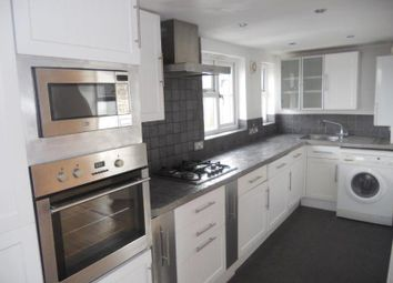 2 bed flat to rent in Spencer Avenue, London N13
