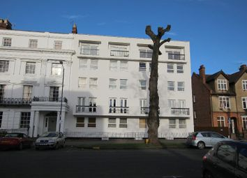 Thumbnail 3 bed flat to rent in Beauchamp Avenue, Leamington Spa