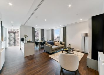 3 bed flat to rent in Sirocco Tower, Canary Wharf, London E14
