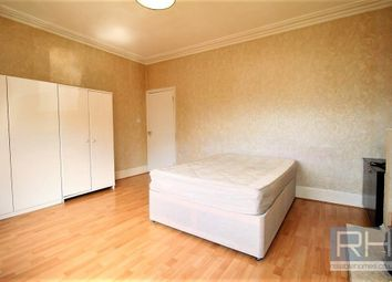 Thumbnail Room to rent in Elm Grove, London