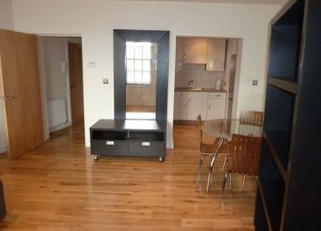Thumbnail 1 bed flat to rent in Apt 8, 50 Clasketgate, Lincoln