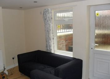 Thumbnail 5 bed flat to rent in Headingley Terrace, Hyde Park, Leeds