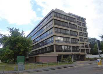 Thumbnail 2 bed flat to rent in Hanover House, 202 Kings Road, Reading