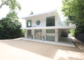 Thumbnail 5 bed detached house to rent in Whitelights, Barnet Road, Arkley