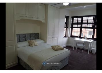 Thumbnail Room to rent in Courtland Avenue, Ilford
