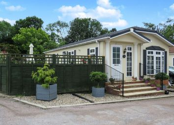 Thumbnail 2 bed mobile/park home for sale in Scatterdells Lane, Chipperfield, Kings Langley