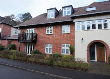 Thumbnail 2 bedroom flat to rent in Highcroft Road, Winchester