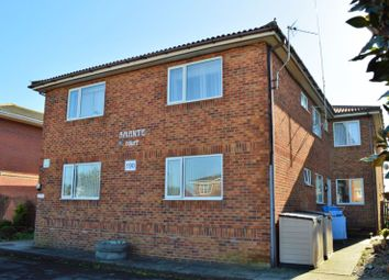 Southwood Road, Hayling Island PO11. 2 bed flat for sale
