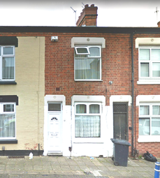 3 bed terraced house to rent in Worthington Street, Leicester LE2