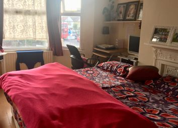 Thumbnail 2 bed flat to rent in Spring Grove Road, Hounslow
